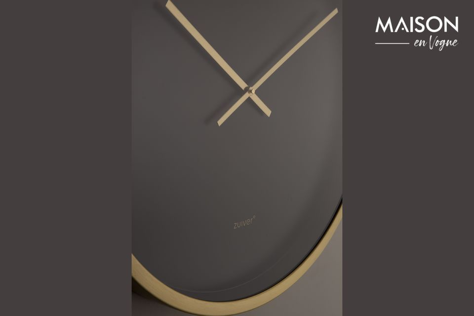Un gran reloj con un diseño moderno