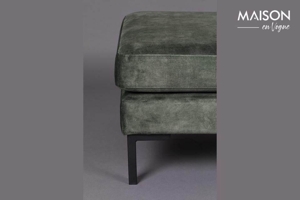 Con un asiento suave, este taburete lleno de encanto encajará con cualquier estilo