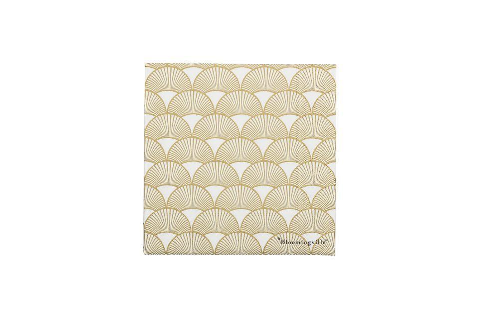 Una servilleta de papel con un bonito patrón dorado