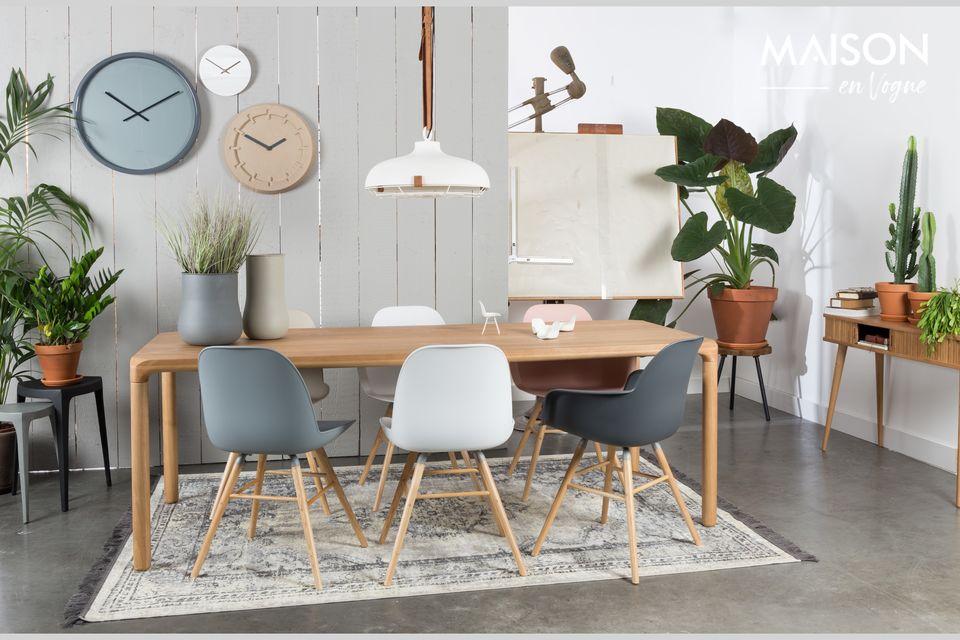 Una silla sólida y versátil