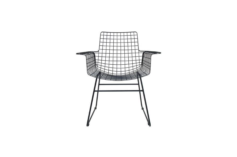 La silla de metal Altorf, diseñada por HK Living, es ideal para los interiores modernos