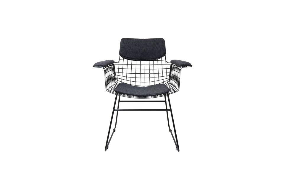 La silla Altorf es de diseño contemporáneo y puede ser usada tanto para amueblar como para