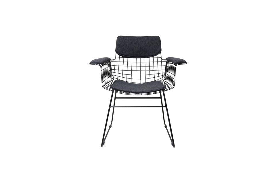 Por ejemplo, úsalo como una silla ocasional para entretener a los invitados