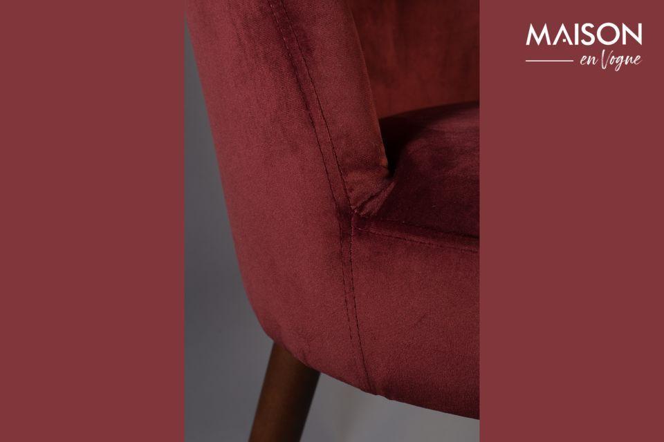 Esta hermosa silla combina la estética y la comodidad y le dará a su mesa un toque