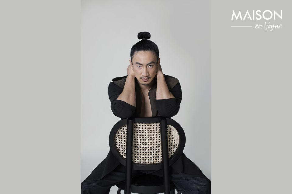 Con sus líneas retro, esta silla con su innegable encanto es un modelo esencial