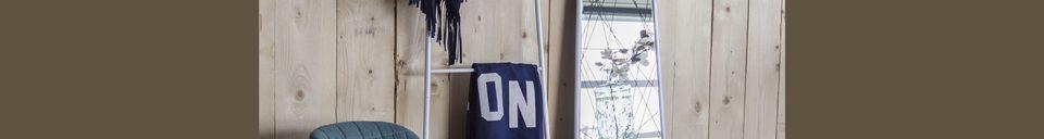 Descriptivo Materiales  Silla de oficina OMG negra y azul