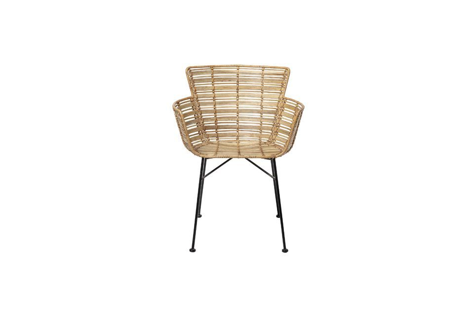 Coloque la silla Coast lounge alrededor de su mesa de comedor o en una esquina con un cojín suave