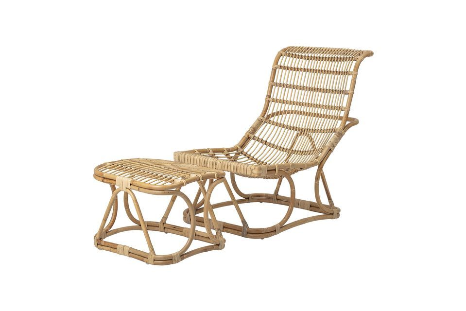 Para optimizar su comodidad, este asiento está provisto de un amplio y cómodo reposapiés
