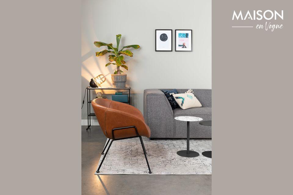 Un sillón de salón donde la elegancia y la comodidad son primordiales