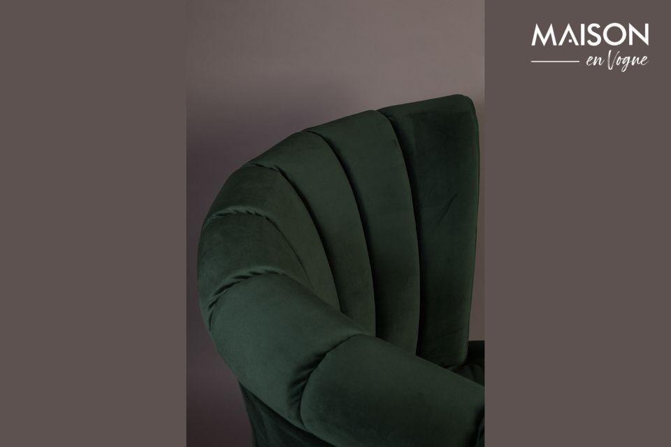 Nos encanta el diseño de este sillón único y sus flecos que acentúan este aspecto retro chic