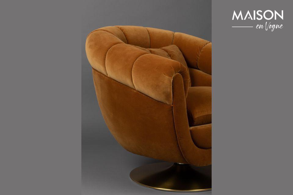 Con una profundidad de asiento de 56 cm, este sillón es muy cómodo