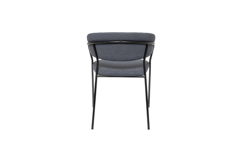 Esta silla Form es una elegante creación firmada Bloomingville