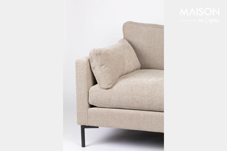 Para otros, por el contrario, este pequeño sofá es ideal para que dos se acurruquen