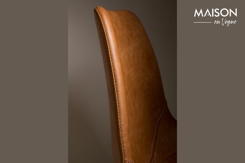 Están cubiertos con cuero PU marrón y PVC para un supuesto billete de época