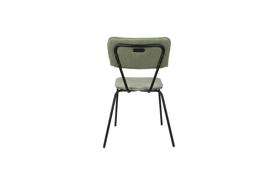 Diseño y comodidad vintage, ideal para una mesa