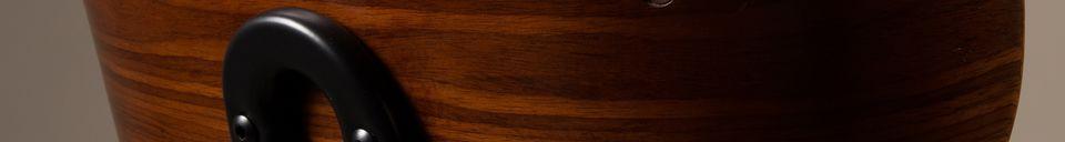 Descriptivo Materiales  Silla negra Wood marrón y negra