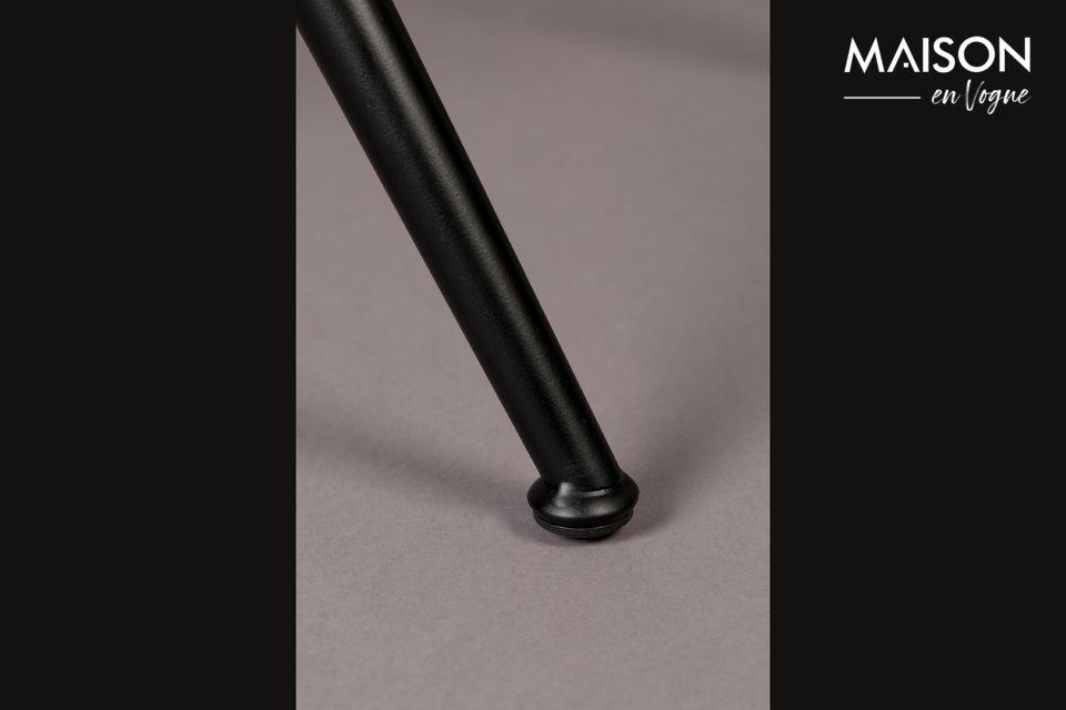 El asiento y el respaldo son de cuero PU (una corteza de cuero cubierta con una capa de