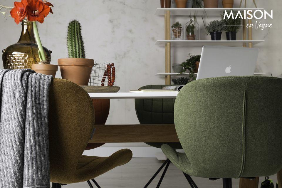 La silla OMG ofrece un gran confort gracias a su asiento tapizado y su diseño ergonómico