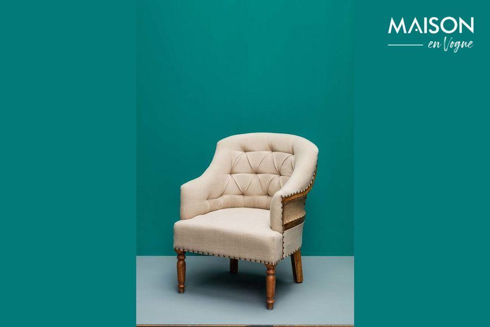 Un encantador sillón de lino y yute