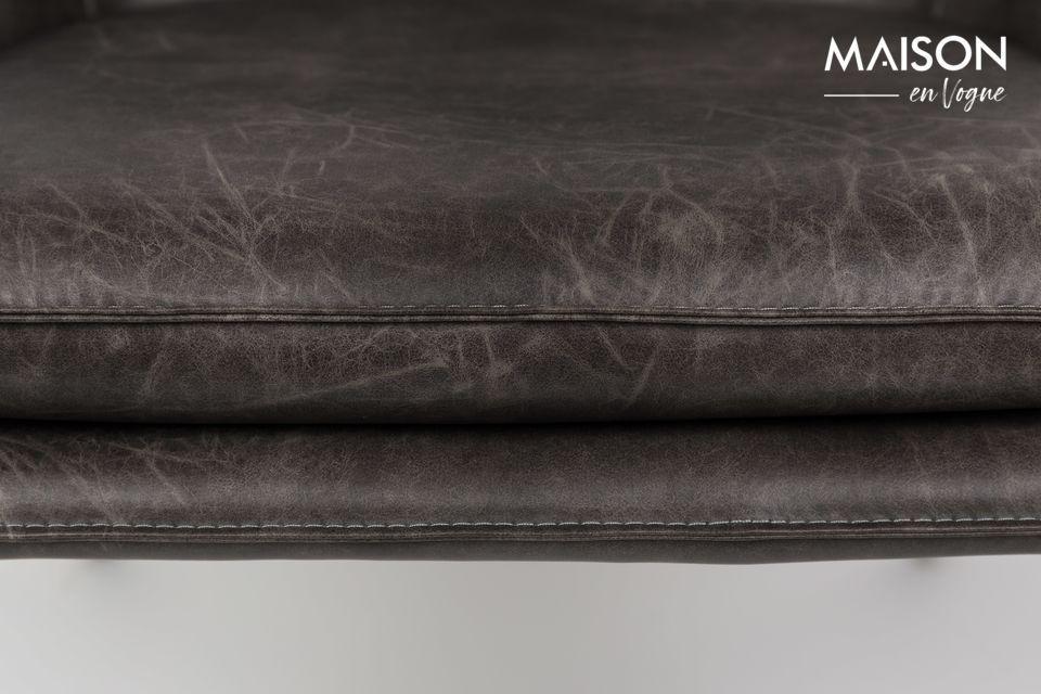 Su base de acero negro le da un toque moderno que le permite encajar fácilmente en muchos estilos