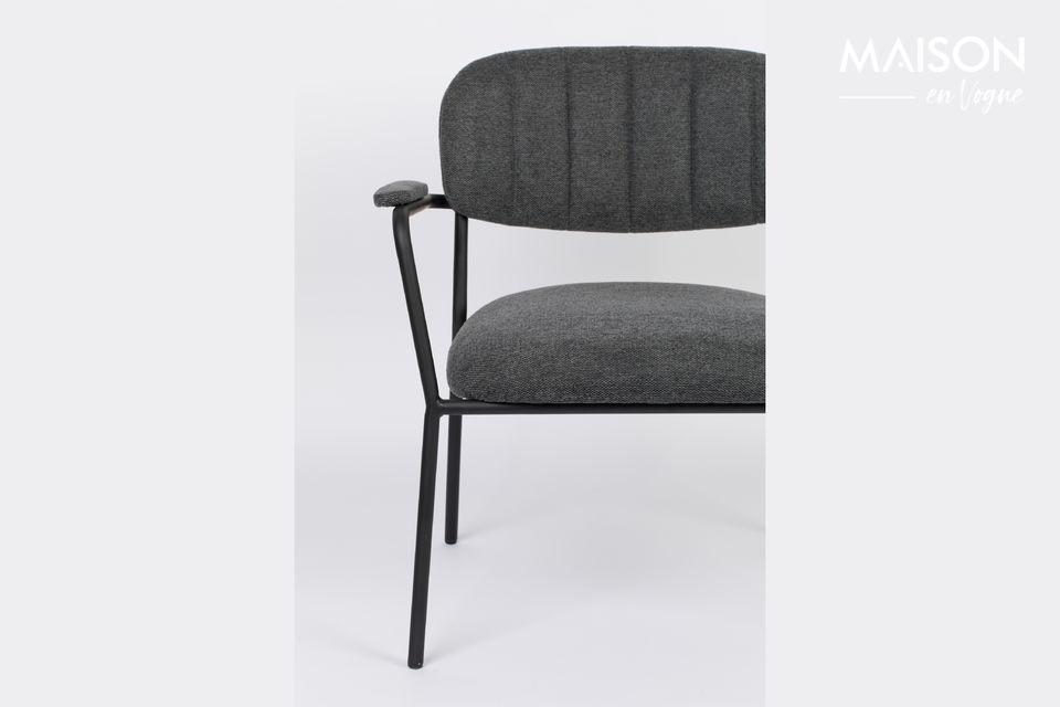 Un sillón con un hermoso aspecto escandinavo