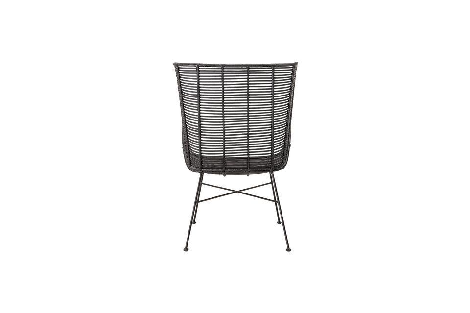 Este sillón de 9 kg no requiere mucho mantenimiento; limpie la superficie con un paño húmedo para