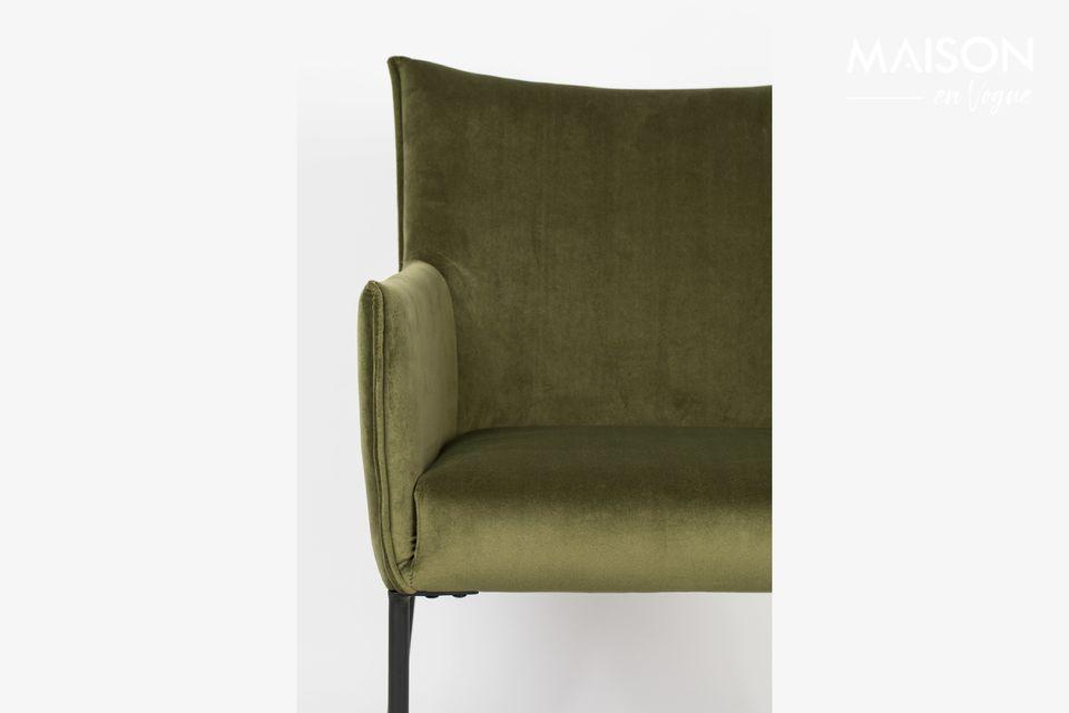 Esto muestra la gran altura del sillón delgado