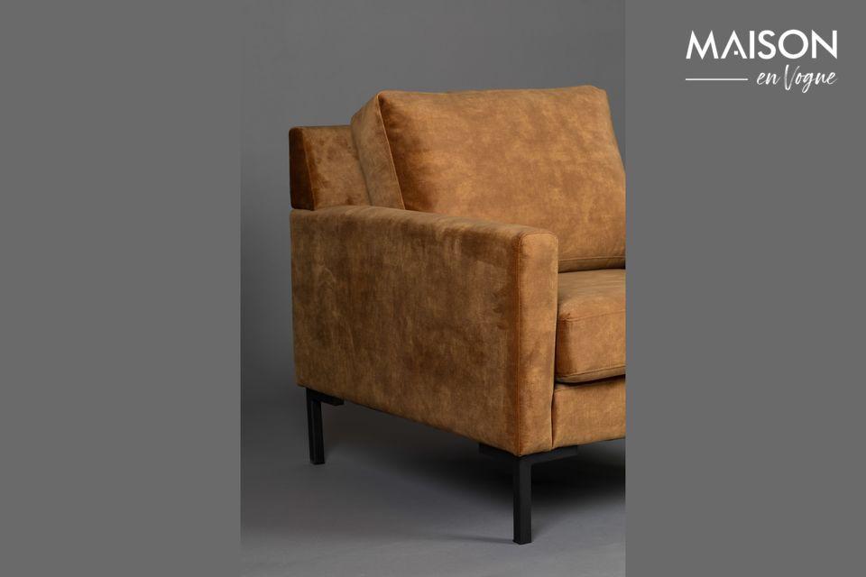 Este sillón tiene apoyabrazos