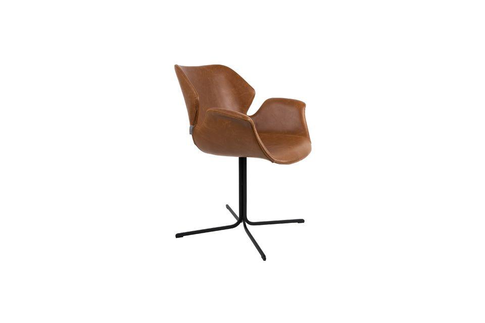 Su lado vintage mezclado con detalles modernos permitirá asociarlo con varios estilos de