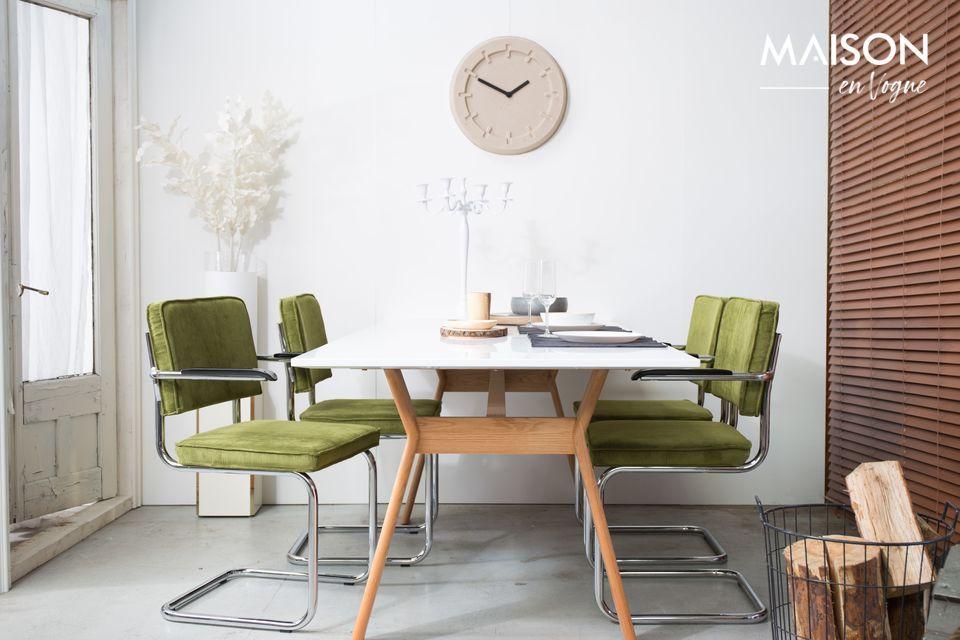 un sillón con un aspecto vintage y moderno al mismo tiempo