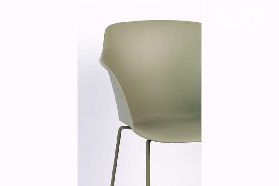 Esta silla Tango verde imaginada por White Label asegura un espíritu industrial en su habitación