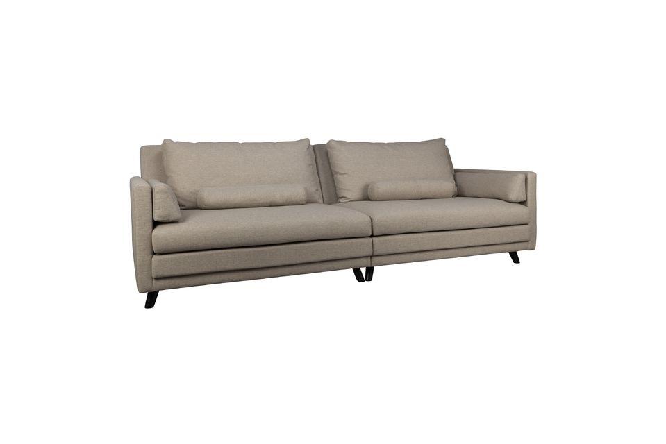 3 o 4 personas pueden sentarse en él para una increíble experiencia de confort