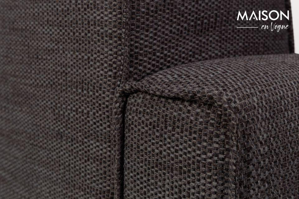 Zuiver ofrece una silla sólida, compacta y envolvente