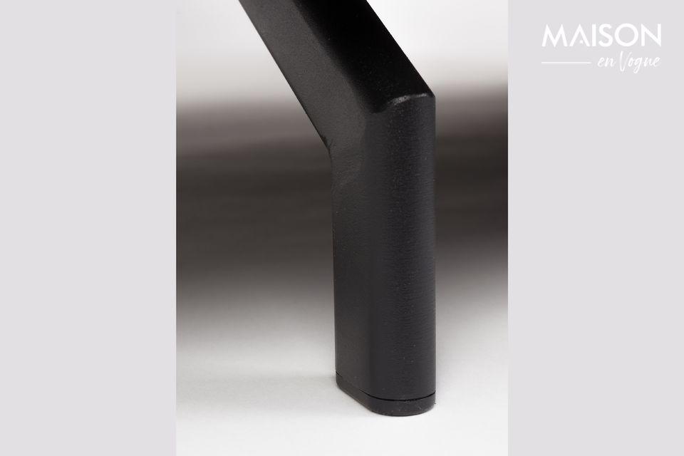 Un sofá de líneas puras y modernas
