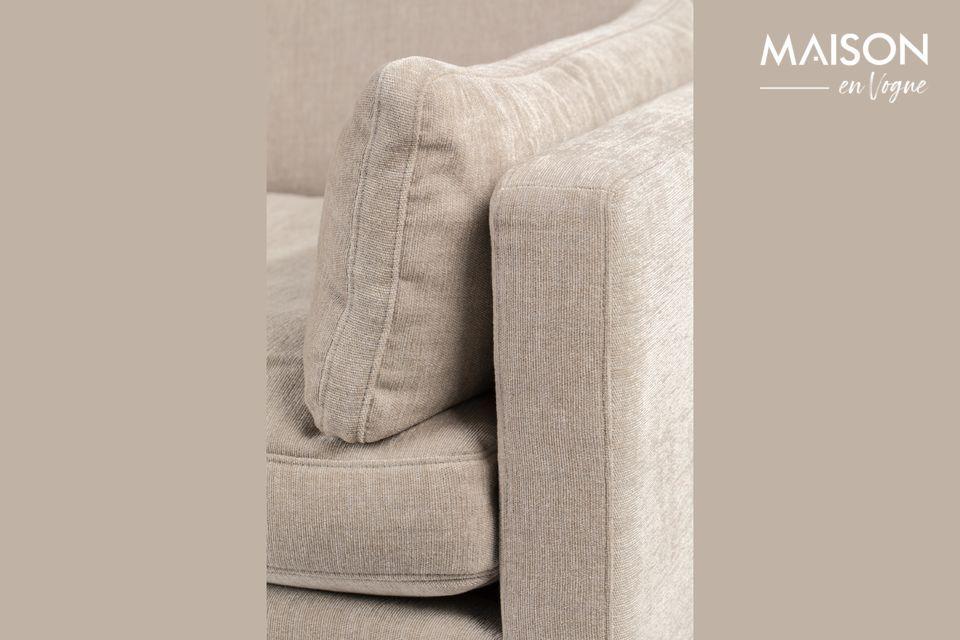 Los cojines del asiento y del respaldo revelan a primera vista su lado suave invitando a quedarse