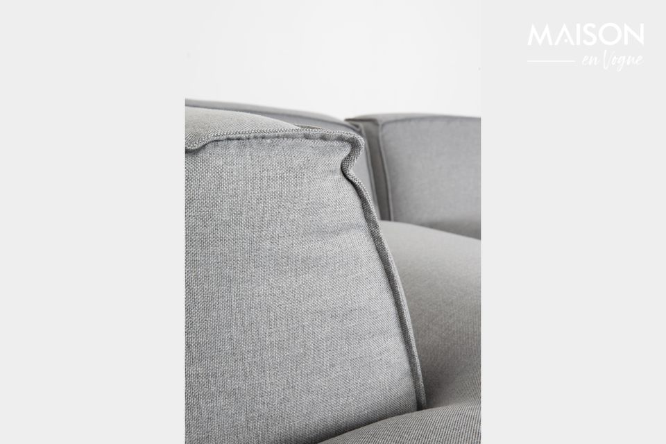 El sofá Fat Freddy invita a relajarse y disfrutar de la convivencia con sus amplios