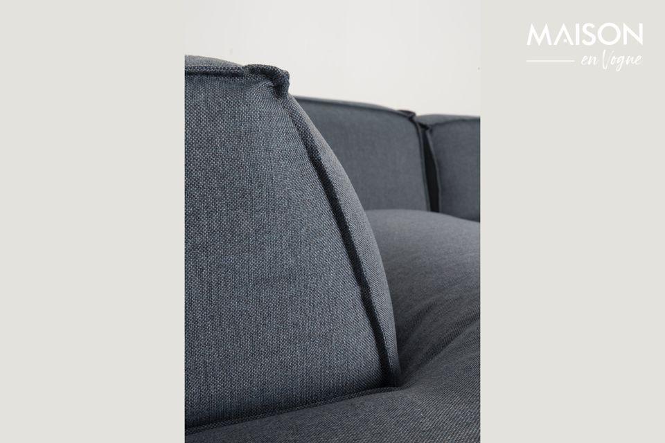 El sofá de Fat Freddy ofrece un asiento increíblemente cómodo con su tapicería gruesa y suave