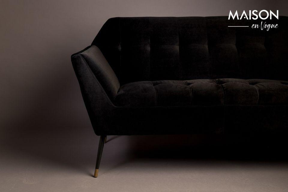 Este pequeño sofá fijo de dos plazas