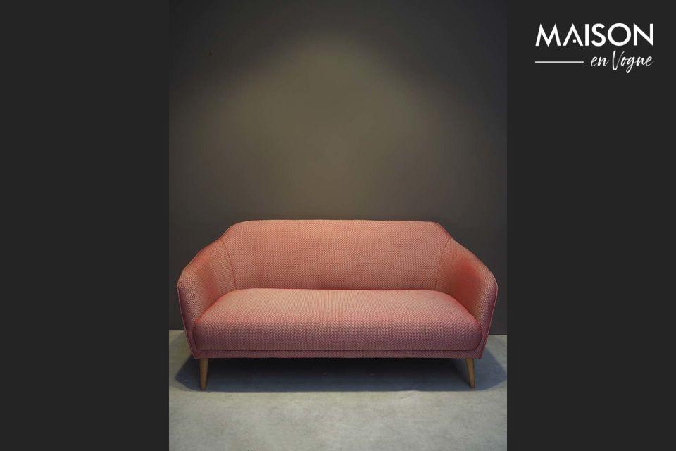 Un sofá jacquard rojo de estilo retro