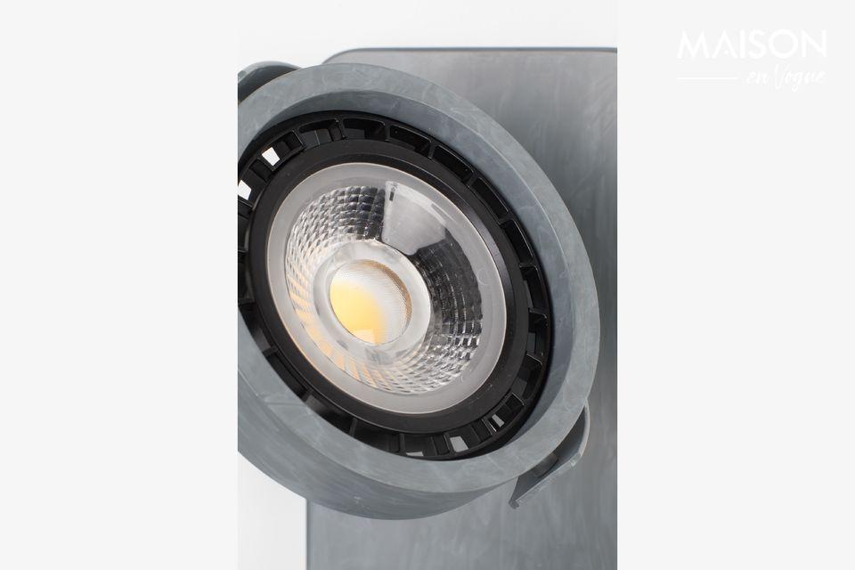 Tiene una tecnología de luz tenue a cálida que permite atenuar la luz para crear una atmósfera
