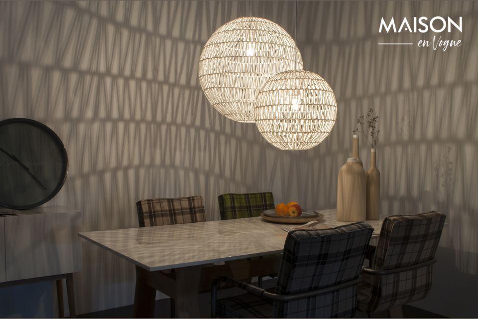 Esta luminaria es un verdadero accesorio decorativo que encaja en cualquier interior