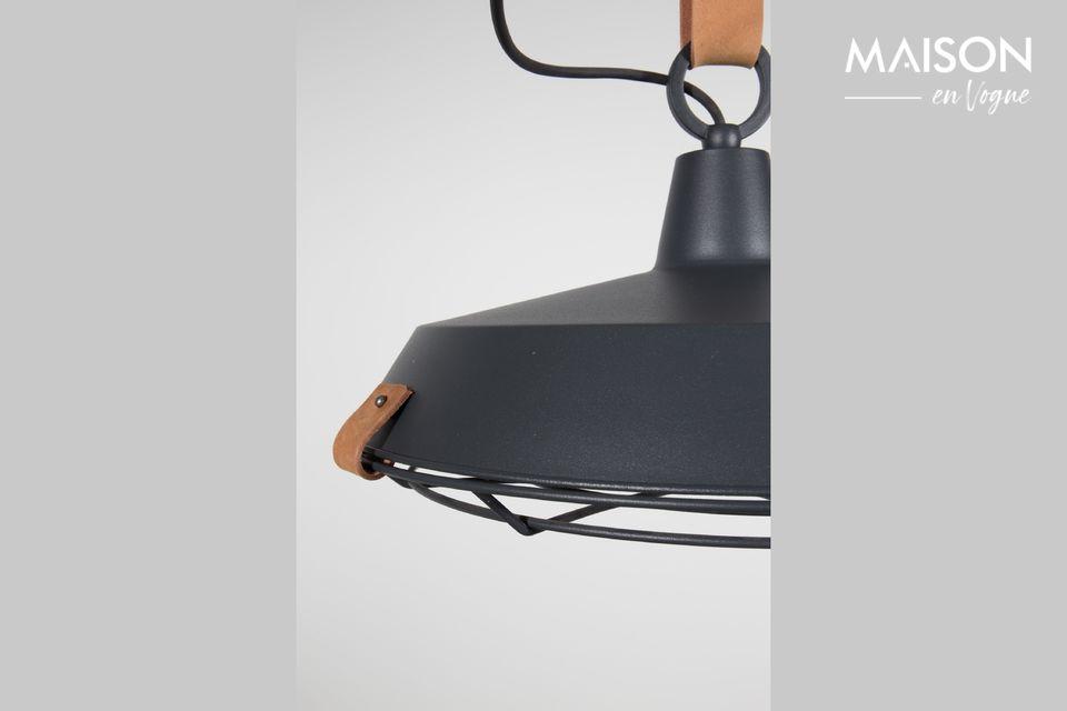El primero se usa para la pantalla de la lámpara, mientras que el cinturón grueso