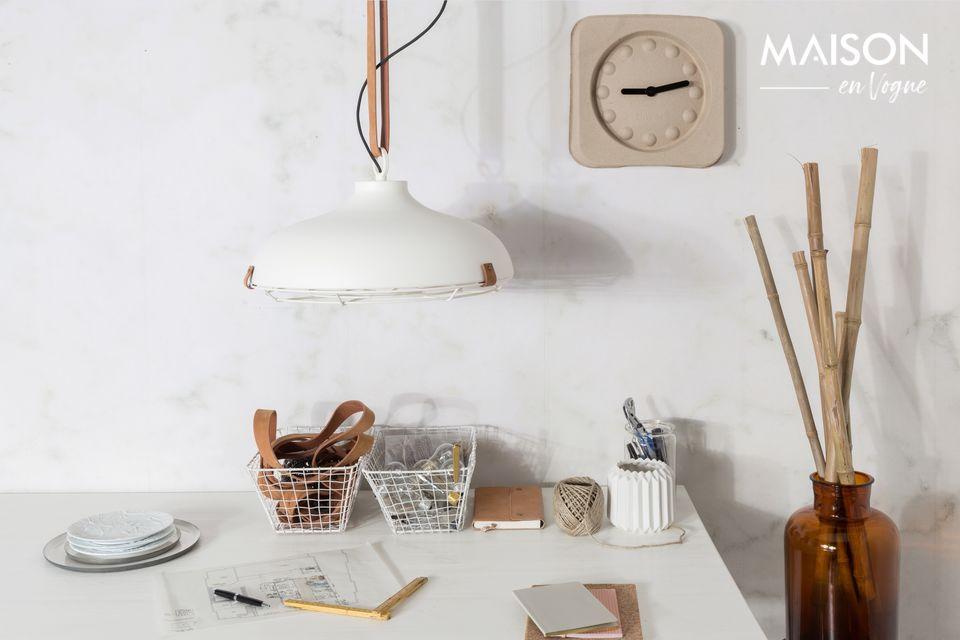 Este elegante diseño escandinavo es perfecto para una cocina, comedor o dormitorio