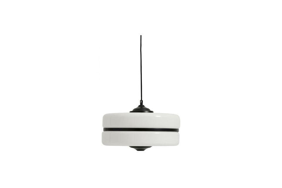 Combina el diseño con una estética casi futurista gracias a la luminaria de suspensión Icon