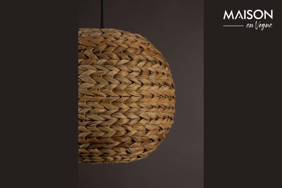 Esta lámpara añade un agradable toque de exotismo a toda la habitación