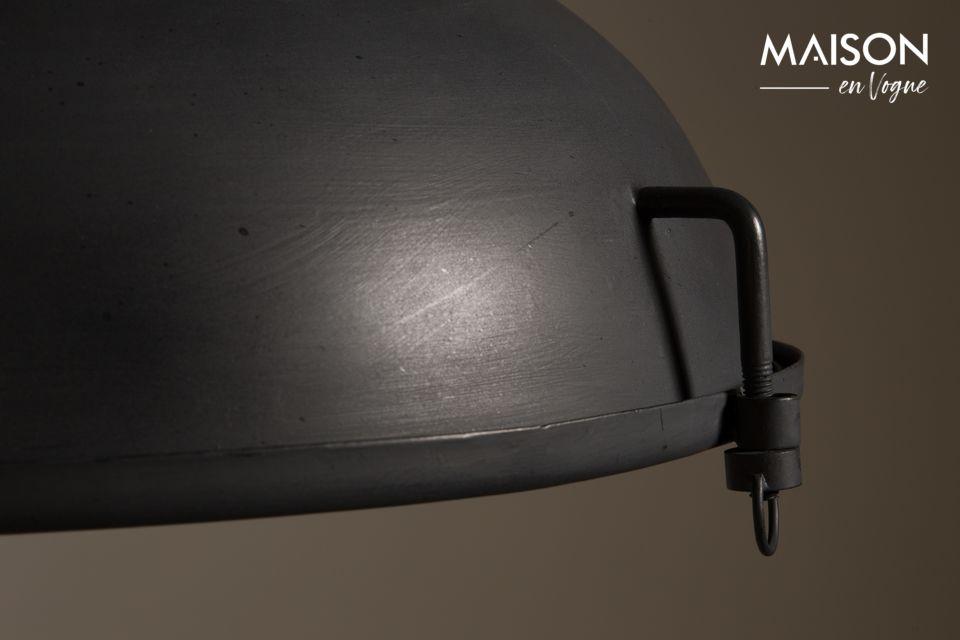 El color de aspecto industrial tiene un tacto suave que contrasta con la naturalidad de la madera