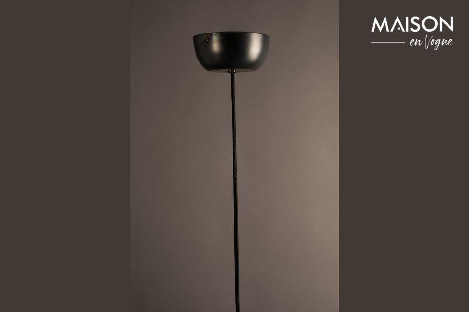 Lámpara de metal negro