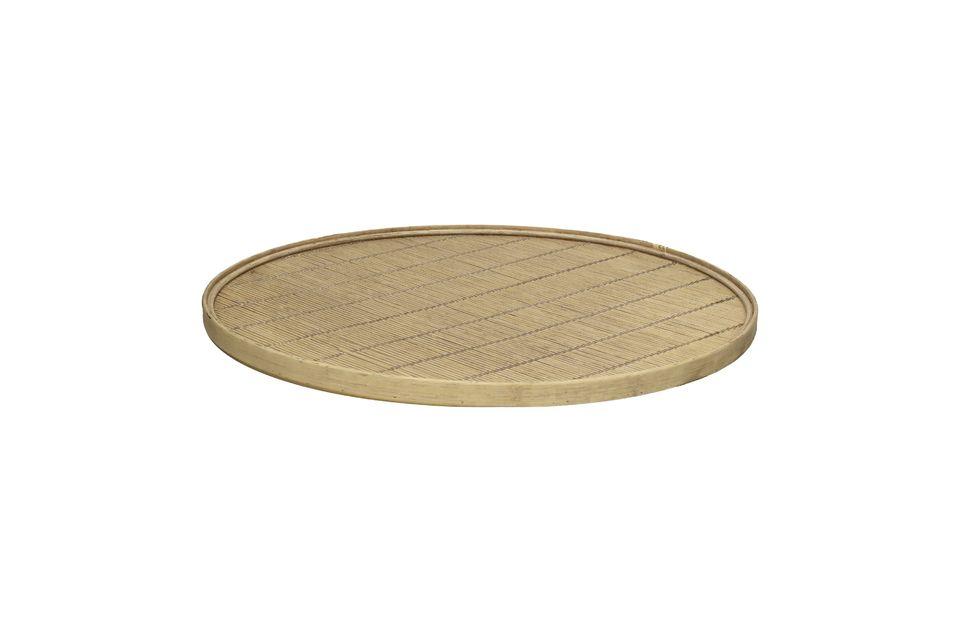 La practicidad y la elegancia de una bandeja de bambú