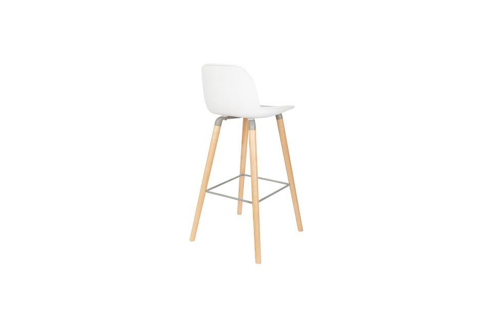 Esta silla alta puede soportar hasta 140 kgs