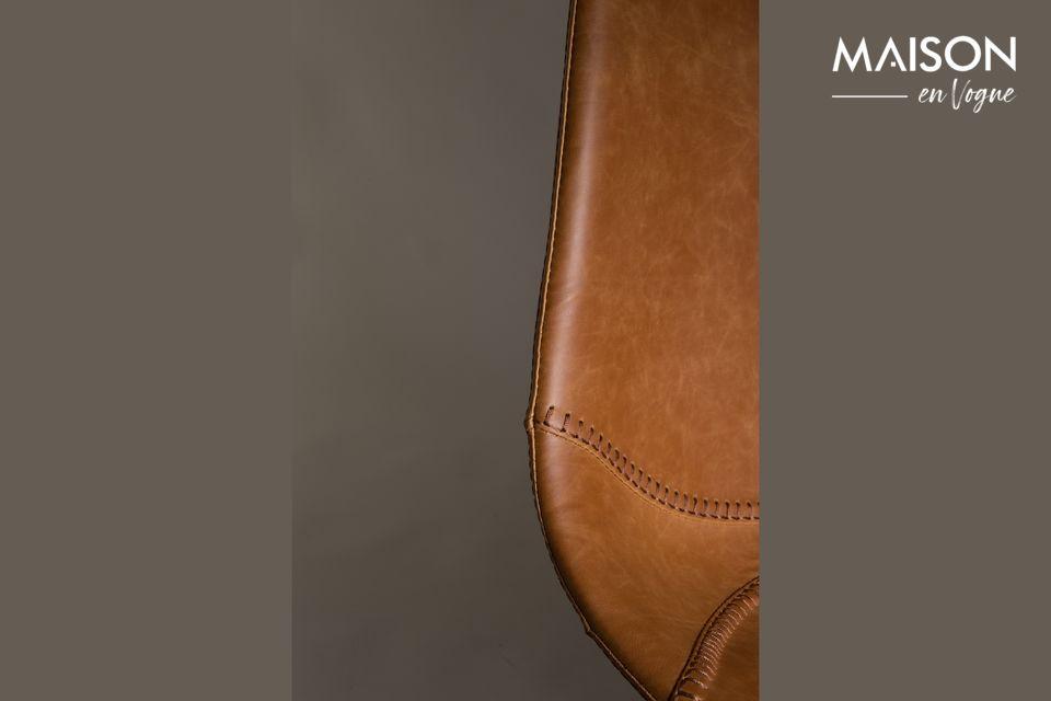 Dutchbone presenta un modelo de taburete de bar de cuero con líneas puras y vintage